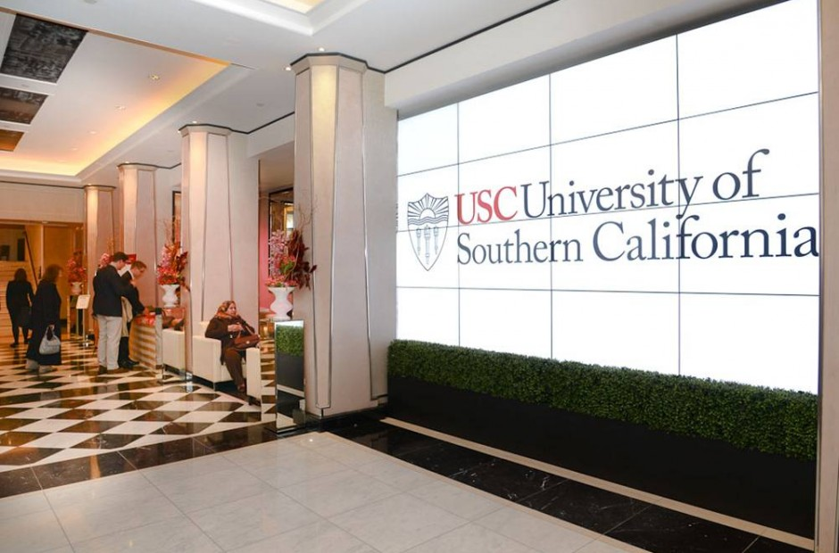University of Southern California sign
